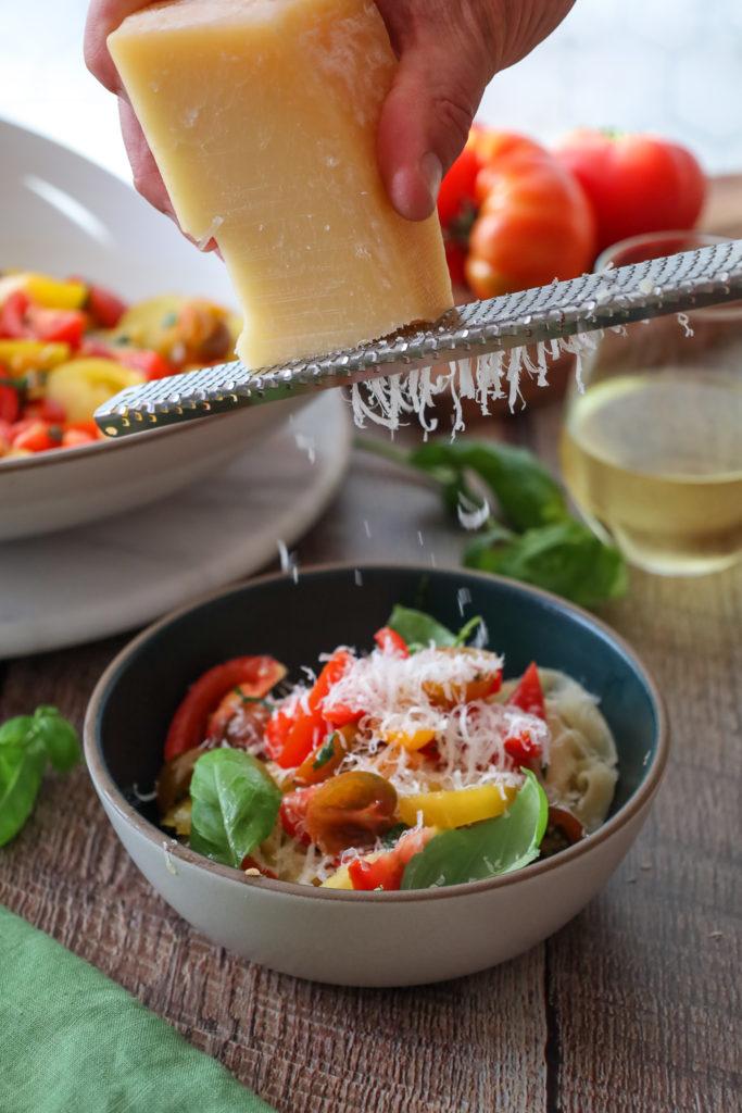 No Cook Fresh Tomato Sauce